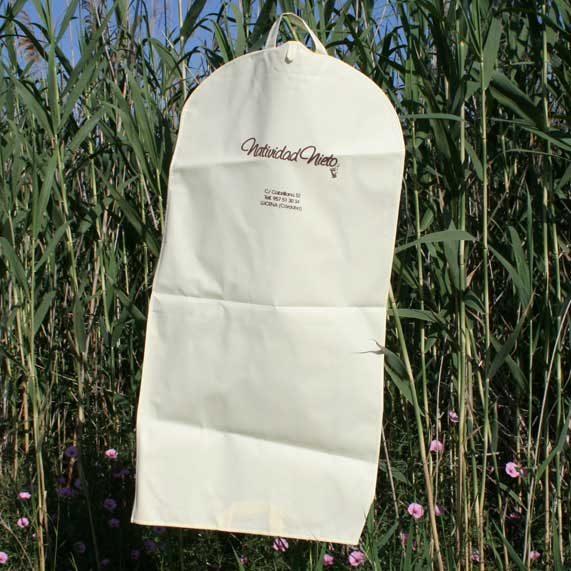 bolsa de tela + portatrajes beige
